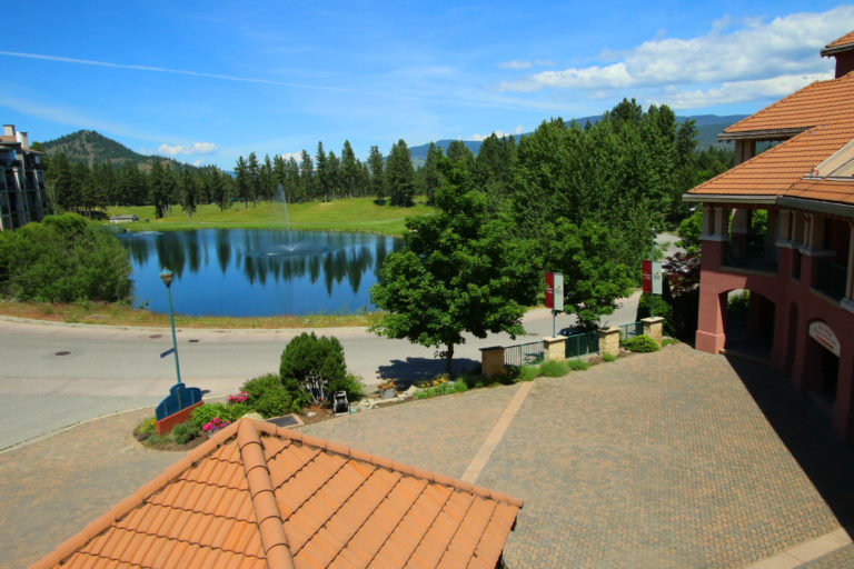 kelowna-2-bedroom-resort-vacation-rental-314-borgata-lodge-els-lake-view